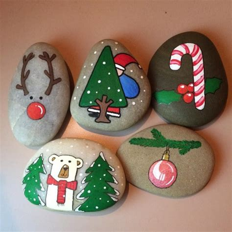 Try these Cute Christmas Rock Painting ideas for Kids