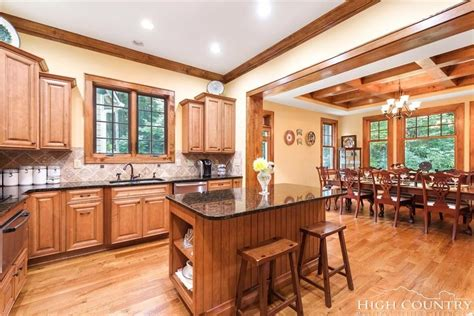 Gorgeous custom built craftsman style home - hugely