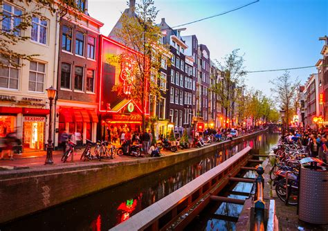 The dos and don'ts of Amsterdam's Red Light District