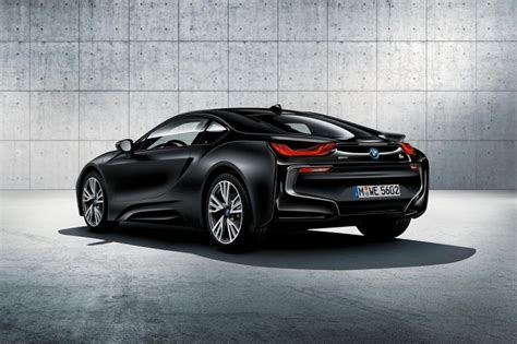 BMW i8 Adds Protonic Frozen Black and Frozen Yellow Color