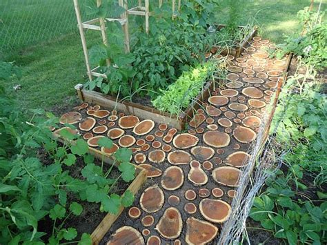 7 Creative ways of turning wood logs and tree stumps into