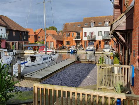 Horning Self-Catering Cottages & Moorings