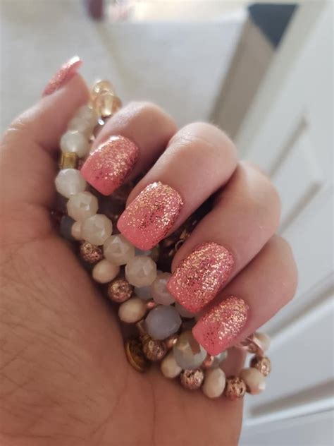 Caribbean Coral +Coming Up Rose Gold (reversed) #nails #