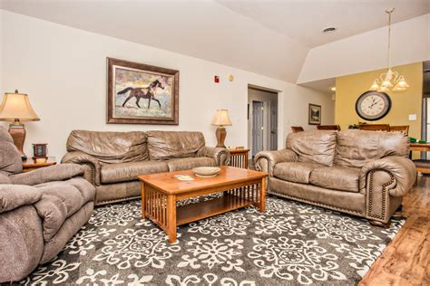 Whispering Pines 651 in Pigeon Forge w/ 3 BR (Sleeps8)