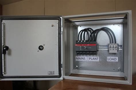 Manual Changeover Switch | 4 Pole 100 Amp Manual ( Steel