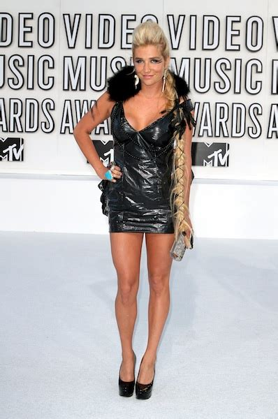 Lady Gaga Brings Raw Meat Outfit To MTV VMAs 2010 | Gigwise